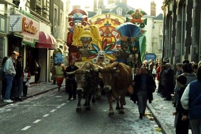 """1988 Mi-Carême / Carnaval de Cholet """"Les dieux sont tombés sur l'Aztèque"""""""