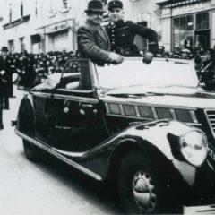 1946 Mi-Carême de Cholet et belle automobile.