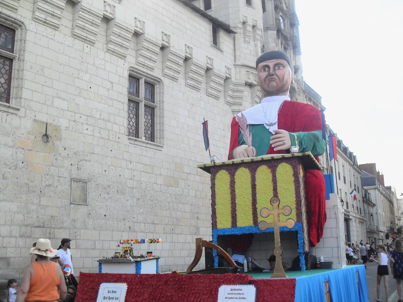 Le Bon Roi Rene D Anjou Mairie De Saumur Carnaval Cholet