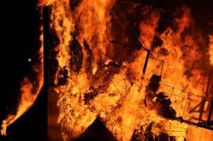 Carnaval Cholet 2010 Grand feu final du char des Copains d'Abord...